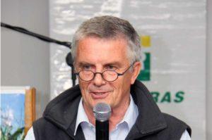Author Peter van Straaten